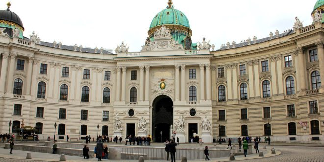 What is Vienna known for: Hofburg Palace