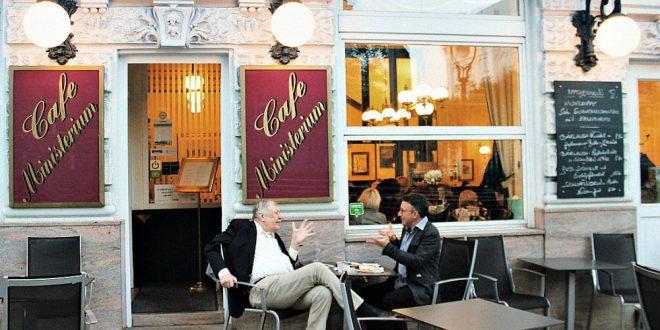 Vienna Austria things to do: coffeehouse debate