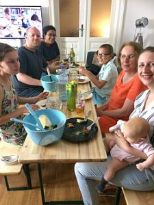 Vienna cooking classes: dining with hosts