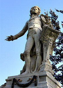 Vienna classical music tours: Mozart statue in Burggarten