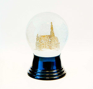 What to buy in Vienna: snowglobe