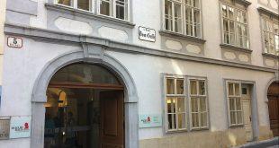 Mozart house Vienna: facade
