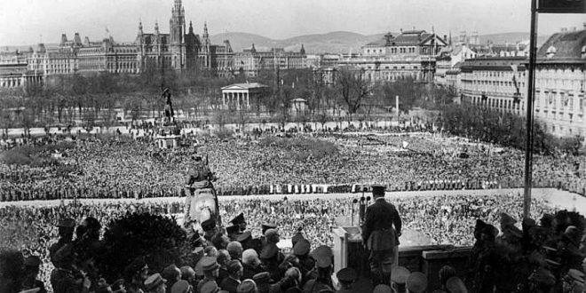 Hitler in Vienna: Speech on Heldenplatz 15th March 1938