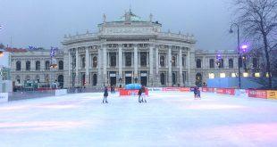 Ice skating Vienna: city hall ice skating rink