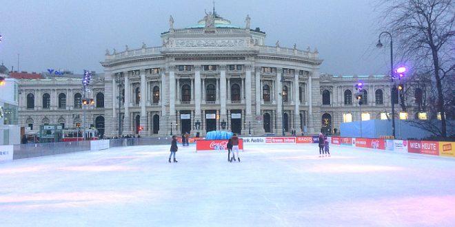 Eislaufen Wien: Eisbahn des Rathauses