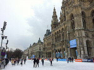 Ice skating Vienna: city hall ice skating rink