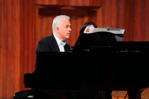 Vienna Music Experience: Maestro Campestrini on the piano