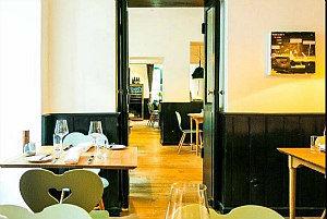 Wienerschnitzel in Vienna: Pichlmaier's Zum Herkner
