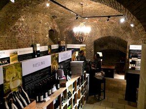 wine tasting in Viennese cellar