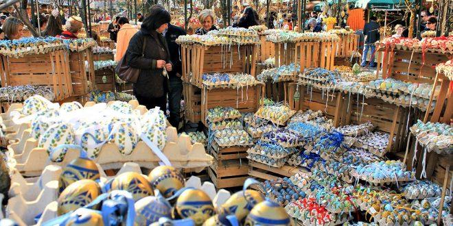 Vienna Easter market at Freyung