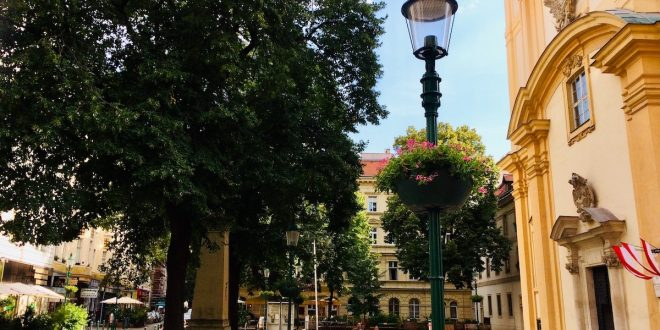 Vienna districts and neighborhoods: Servitenplatz