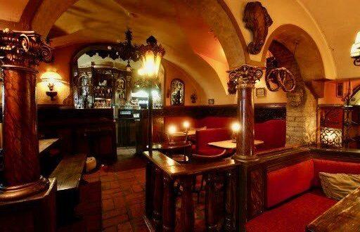 keller Vienna restaurant Brezl Gwoelb