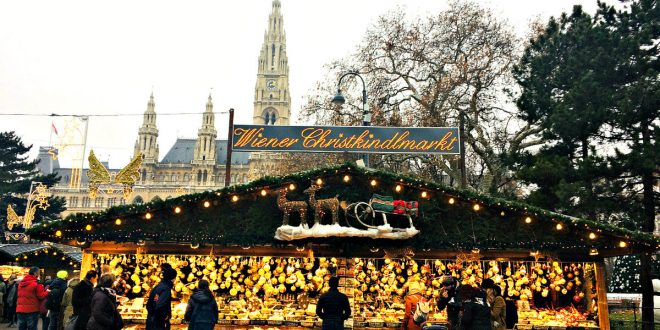 Christkindlmarkt Rathausplatz in Wien